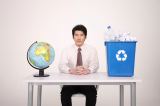 Globe_businessman_recycling.png