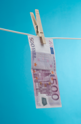 Money_laundering_euro.png